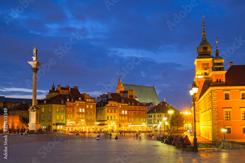 Fototapety, obrazy: Royal Castle square and Sigismunds Column in Warsaw city at night, Poland