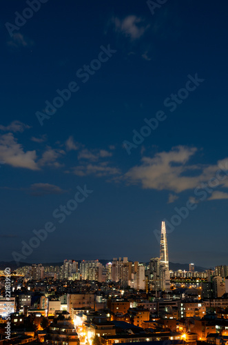 Foto op Plexiglas Seoel Night view of landmark of Seoul at autumn dusk