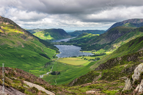 Obraz na plátně The view towards Buttermere from between Striddle and Green Crag showing Butterm