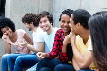 Jugendliche Aus Unterschiedlichen Ländern Im Gespräch