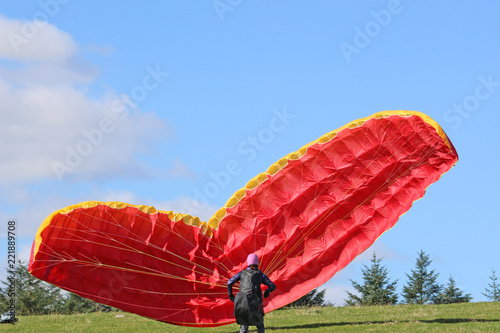 Paraglider reverse launching