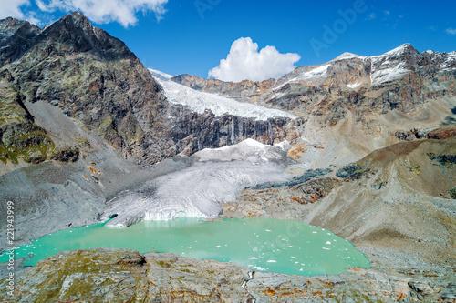Deurstickers Gletsjers Alta Valmalenco (IT) - Vista aerea del ghiacciaio di Fellaria Orientale - settembre 2018