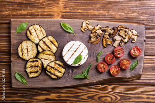 Grilled brie or camembert