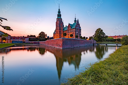 Photo Rosenborg Castle or Rosenborg Slot at sunset, Copenhagen, capital of Denmark