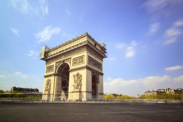 Fototapeta na wymiar Long exposure view of the Arc du Triomphe at the Place de Gaulle in Paris, France