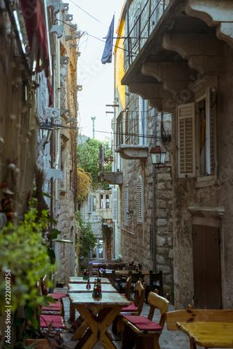 Foto auf AluDibond Gezeichnet Straßenkaffee Korcula town, where Marco Polo was born, Korcula island, Croatia