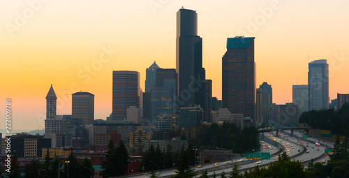Spoed Foto op Canvas Verenigde Staten Interstate 5 and downtown at sunset, Seattle, Washington State, USA