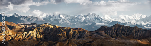 Photo Panoramic view of snow mountains range landscape
