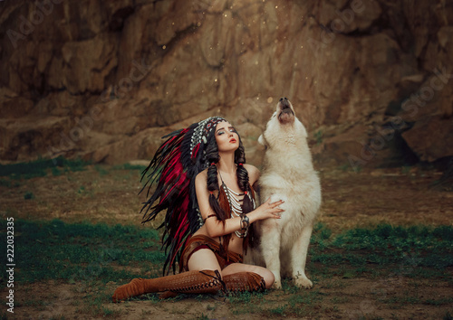 Fotografia  Indigenous American Indian wings with a wolf, a battle cry