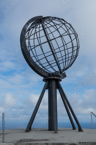 Staande foto Noord Europa North Cape Globe Sculpture