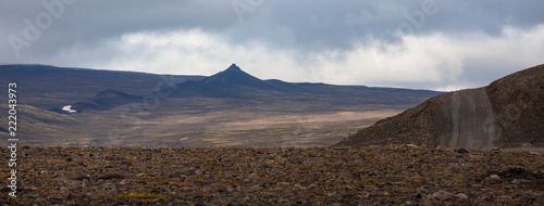 Foto op Aluminium Chocoladebruin Kaldidalur valley, road 52 to Fanntófell, Iceland highlands, with rough volcanic landscape