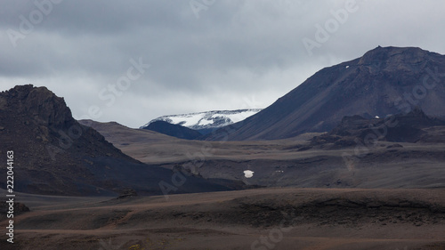 Poster Donkergrijs Kaldidalur valley, road 52 to Fanntófell, Iceland highlands, with rough volcanic landscape
