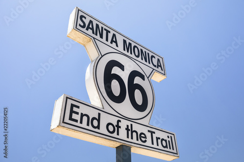 Keuken foto achterwand Route 66 Sign marking the ending point of Route 66 in Santa Monica California USA