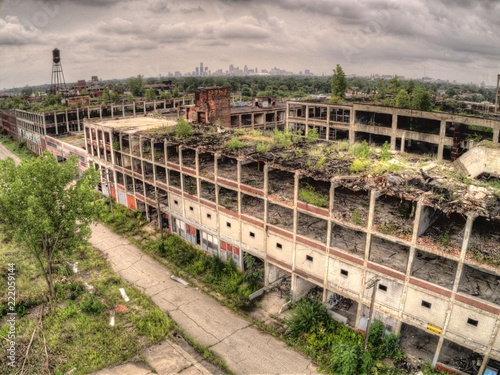 Fotoposter Oude verlaten gebouwen Aerial View of the Famous Abandoned Packard Plant in Detroit