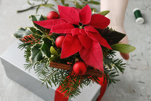 How To Decorate Christmas Gift, Tutorial.