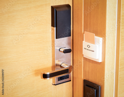 Zdjęcie XXL Elektroniczna karta inteligentny zamek na drewniane drzwi w hotelu do zasilania