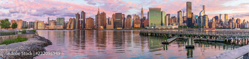 Fotografie, Tablou  View to Manhattan skyline from the Long Island City at sunrise