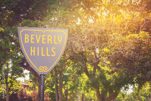 Spoed Foto op Canvas Amerikaanse Plekken Beverly Hills sign in a sunset light