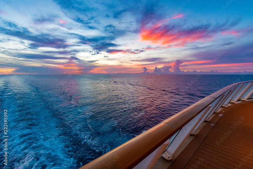 Fototapety, obrazy: Sunset From A Cruise Ship