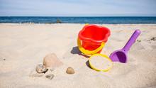 Spielsachen Aus Plastik Im Sand Am Strand