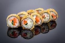 Hot Roll With Salmon Tempura O...
