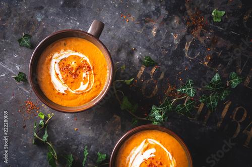 Soupe de Patate Douce, Carotte au Curry et Lait de Coco