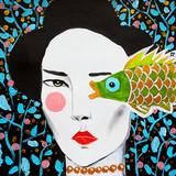 disegno bella donna guarda pesce - 222295360