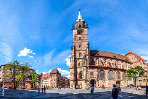 Fotobehang Europese Plekken Sankt Lorenz Kirche, Nürnberg