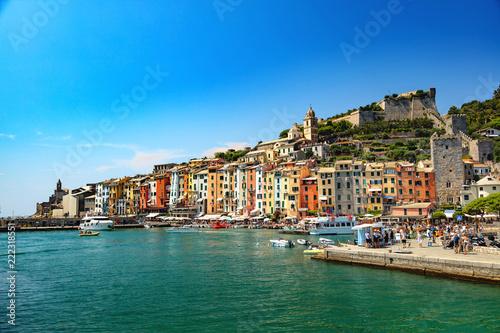 Portovenere, Cinque Terre, Ligurie, Italie -Panorama du port pittoresque et colo Tablou Canvas