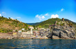 Vernazza, Cinque Terre, Ligurie, Italie - Vue du village depuis la mer