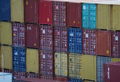 Container al porto di Palermo