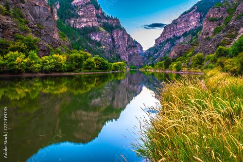 Fototapeta Beautiful Sunset Hike to Hanging Lake in Glenwood Springs, Colorado