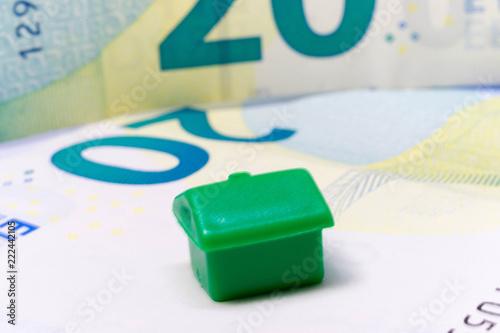 Fotografie, Obraz  Zielony dom na banknocie 20 euro