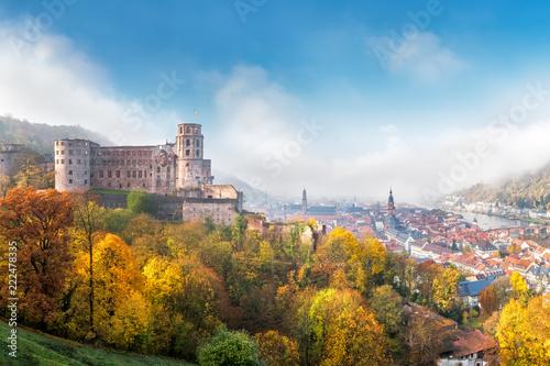 Spoed Foto op Canvas Europese Plekken Heidelberg im Herbst mit Schloss und Altstadt, Baden-Württemberg, Deutschland