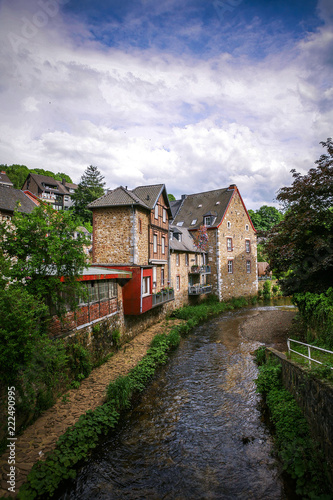 Foto op Aluminium Oude gebouw ancient stone houses along the river