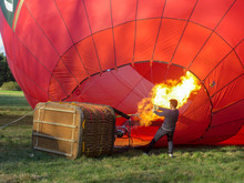 Red Ballon On Start With Fire