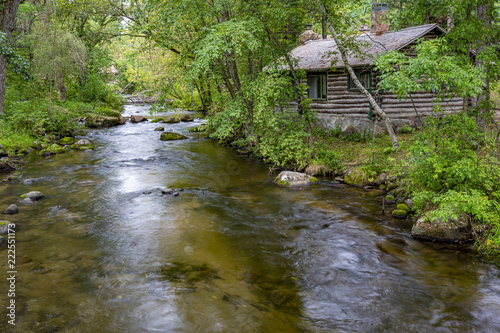 Tela Cabin on the creek
