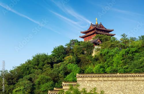 Tuinposter Historisch geb. Yuntai Pavilion in Zhenjiang