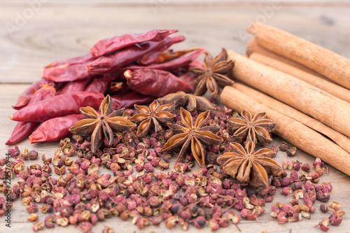 Photo  Star anise and cinnamon sticks