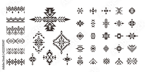 Foto auf Gartenposter Boho-Stil Set of decorative Ethnic elements isolated on white background.