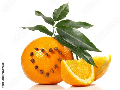 Foto Orange mit Gewürznelken