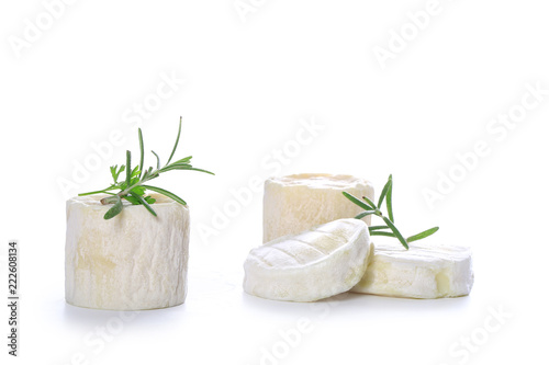 fromage sur fond blanc
