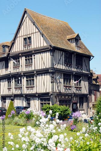 Obraz na plátně Ville de Vernon, Maison du Temps Jadis, demeure à pans de bois (XVe siècle), auj