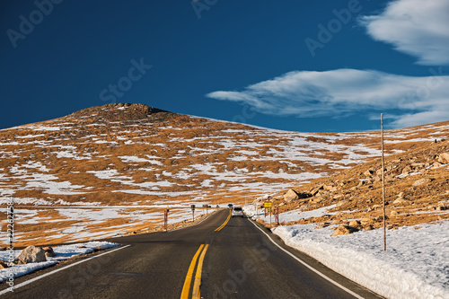 Tuinposter Verenigde Staten Highway in alpine tundra. Rocky Mountain National Park in Colorado.
