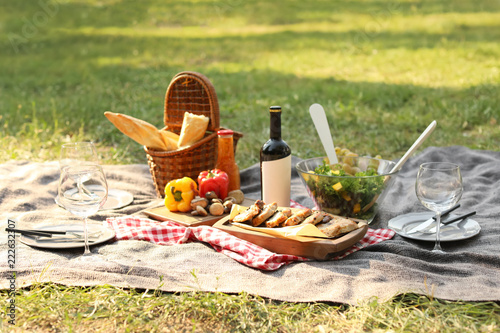 Keuken foto achterwand Picknick Blanket with food prepared for summer picnic outdoors