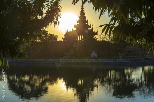 Obraz na plátně Amazing Sunset in Mandalay, Myanmar (Burma)