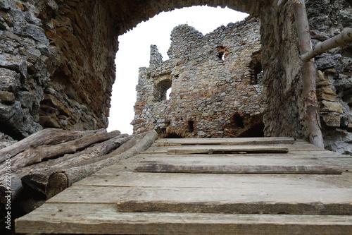 Spoed Foto op Canvas Rudnes Ruins Brekov Castle, Slovakia