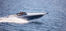 High-speed Boat Goes Fast In C...