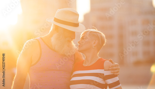 Fotografia  Elderly couple relaxing on a sunny day together