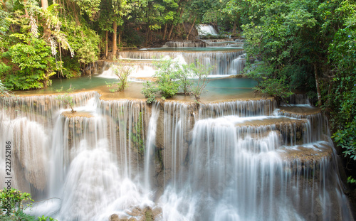 Fototapety, obrazy: Beautiful Huai Mae Khamin Waterfall In the forest of western Thailand.
